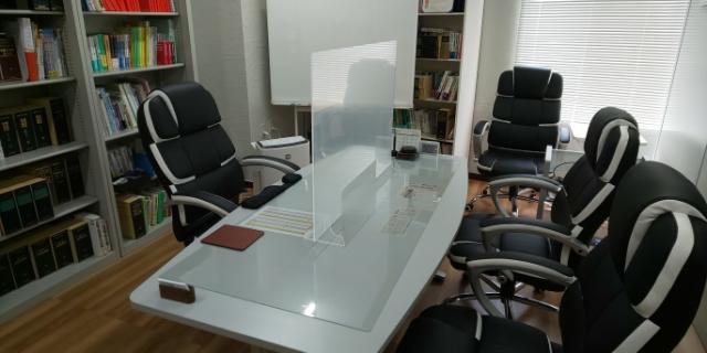 広島市安佐北区の弁護士事務所(美北さくら法律事務所)の相談室の画像